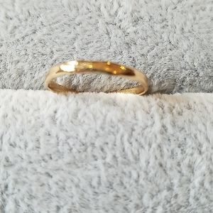 Simple skinny gold band